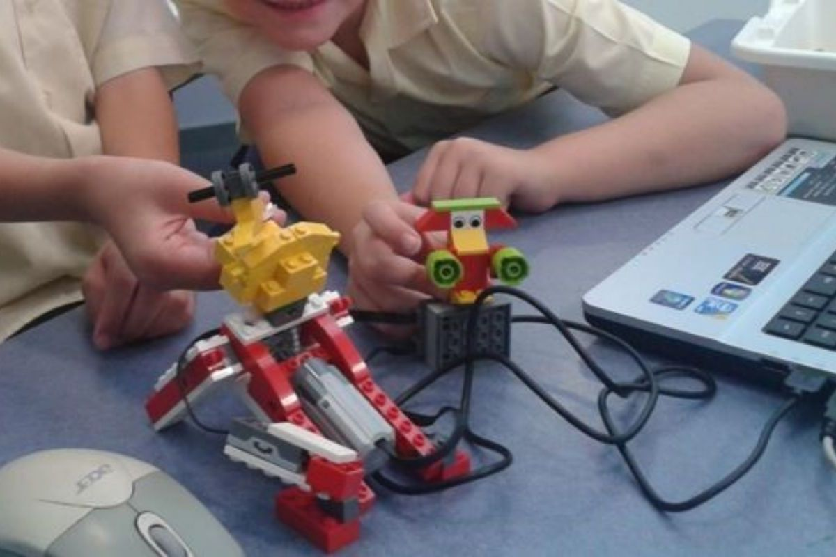 Early introduction of STEM activities fosters a lifelong love of learning.